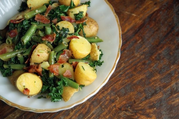 warm potato salad with green beans, kale and bacon