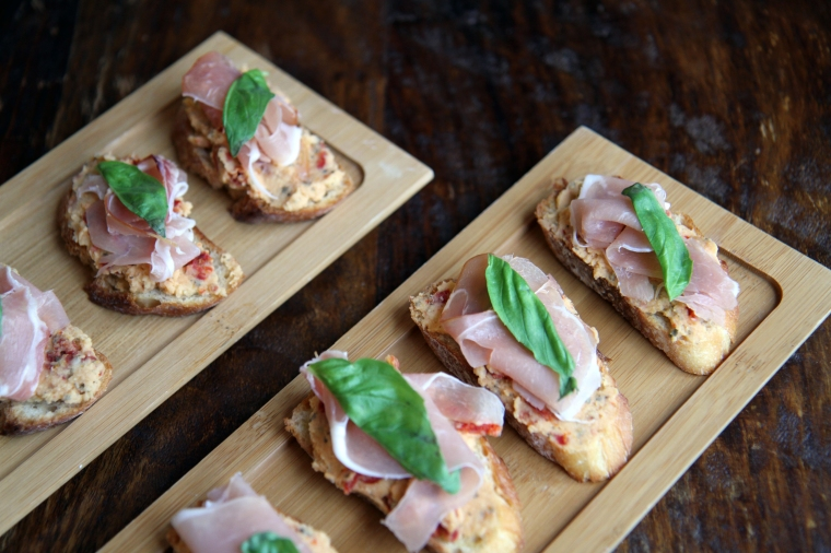 crostini with sun-dried tomato and prosciutto