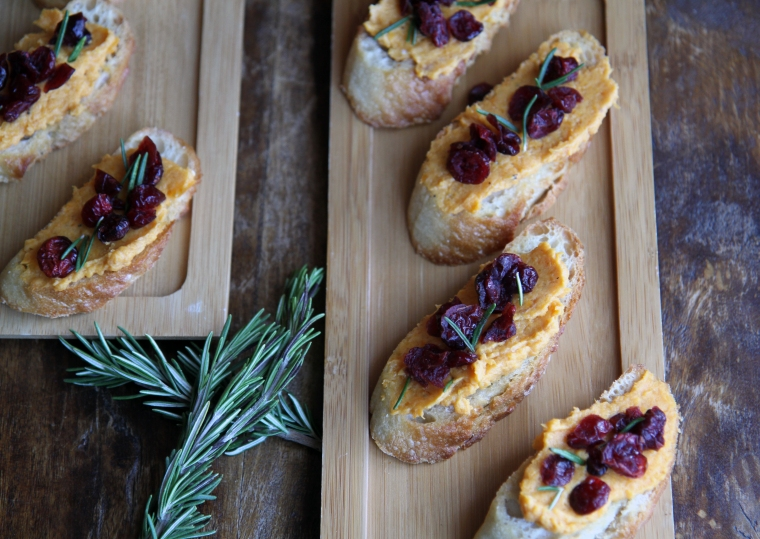 butternut squash crostini with goat cheese