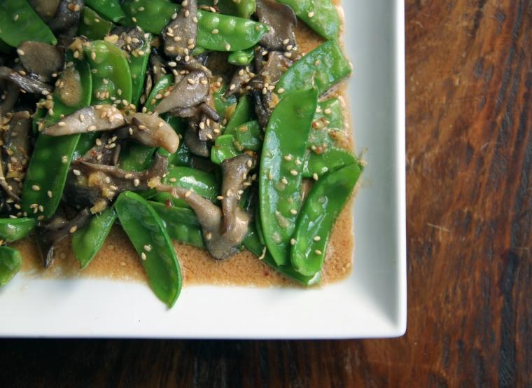 sugar snap pea and maitake mushroom stir fry
